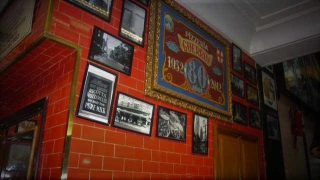 1-Guerrin-Pizzeria-Buenos-Aires-Corrientes-Copy