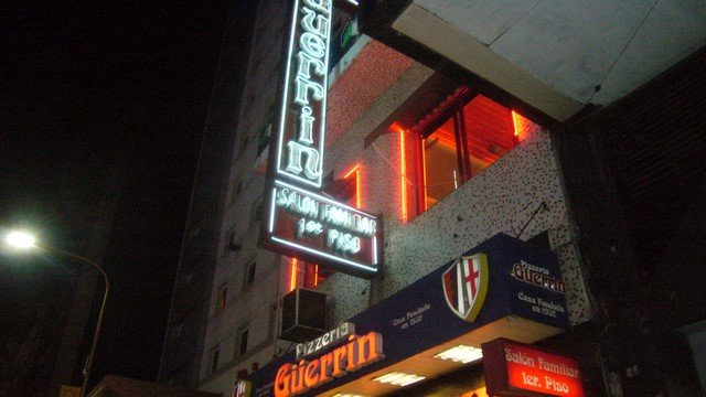 1b-Pizzeria-Guerrin-Neon-Sign-Copy