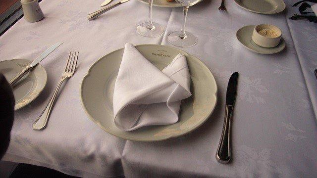 2-Puerto-Cristal-Table-Setting