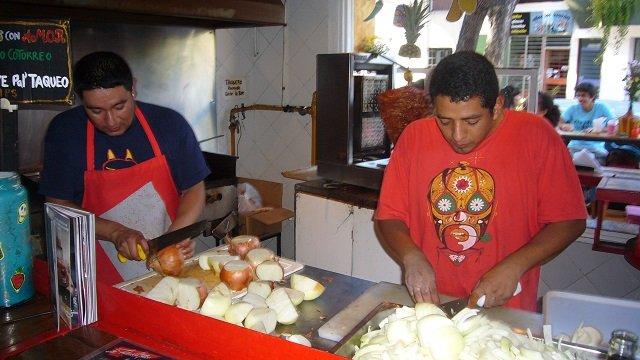 3-La-Fabrica-del-Taco-Kitchen