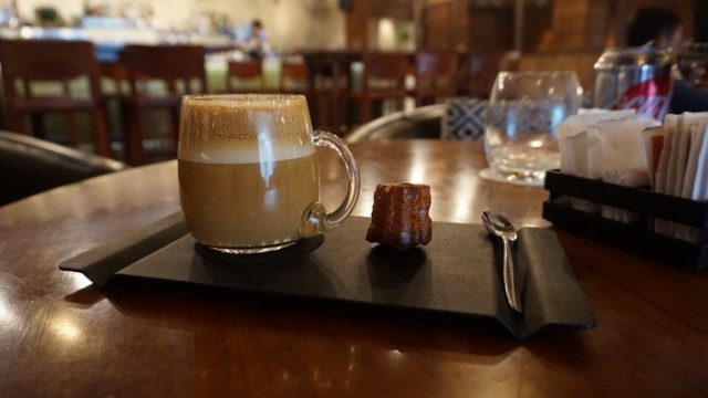 A Cappuccino at Pony Line
