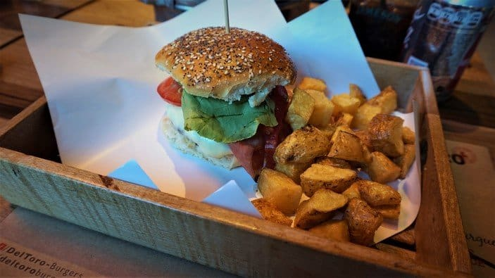 A Cheeseburger at Deltoro