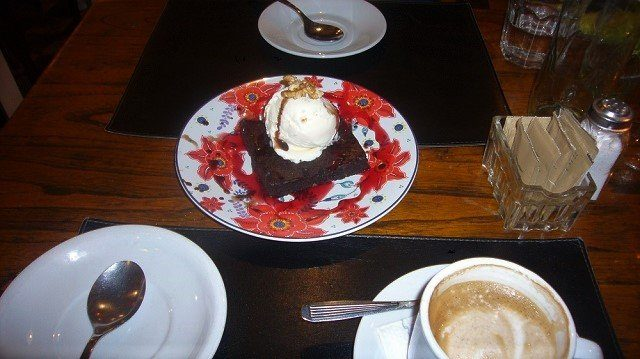 EleBar-98-Brownie-and-Ice-Cream