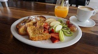 Lobo Cafe Buenos Aires French Toast