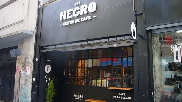 Negro-Cafe-Buenos-Aires-1