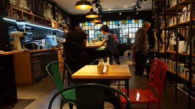 Negro-Cafe-Buenos-Aires-5