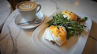 Ninina Bakery Eggs Benedict