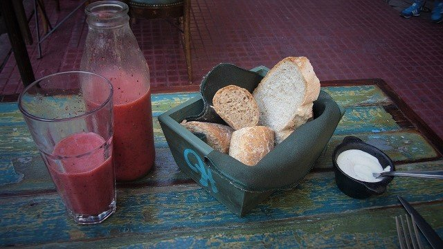 Hierbabuena-Food-and-Buenos-Aires-Fruit-Smoothie