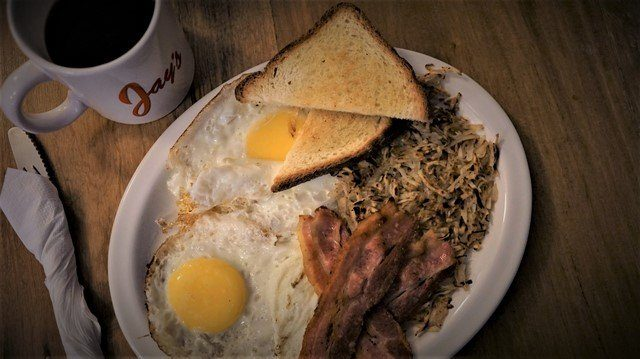 Jays-Breakfast-Eggs-and-Bacon-with-Hash-Browns
