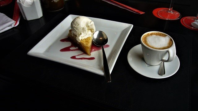7-Dashi-Apple-Crumble-Dessert-640