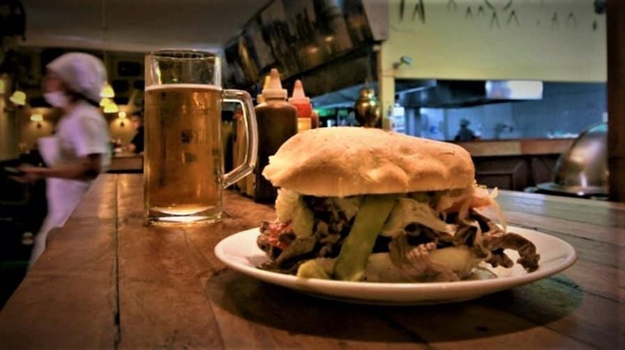 10MARDOQSCL Lomito Sandwich