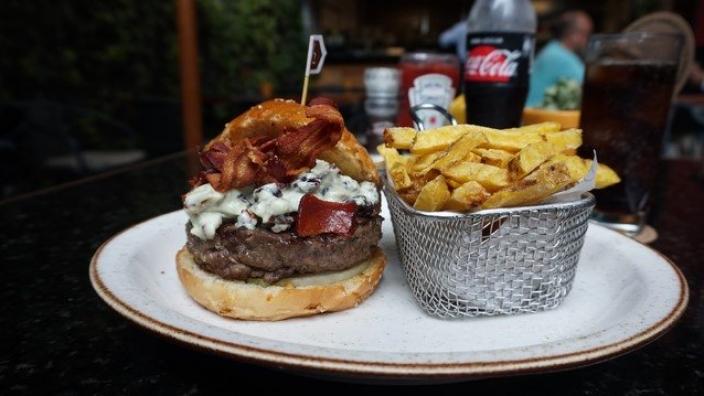 A-Burger-at-Bon-Beef