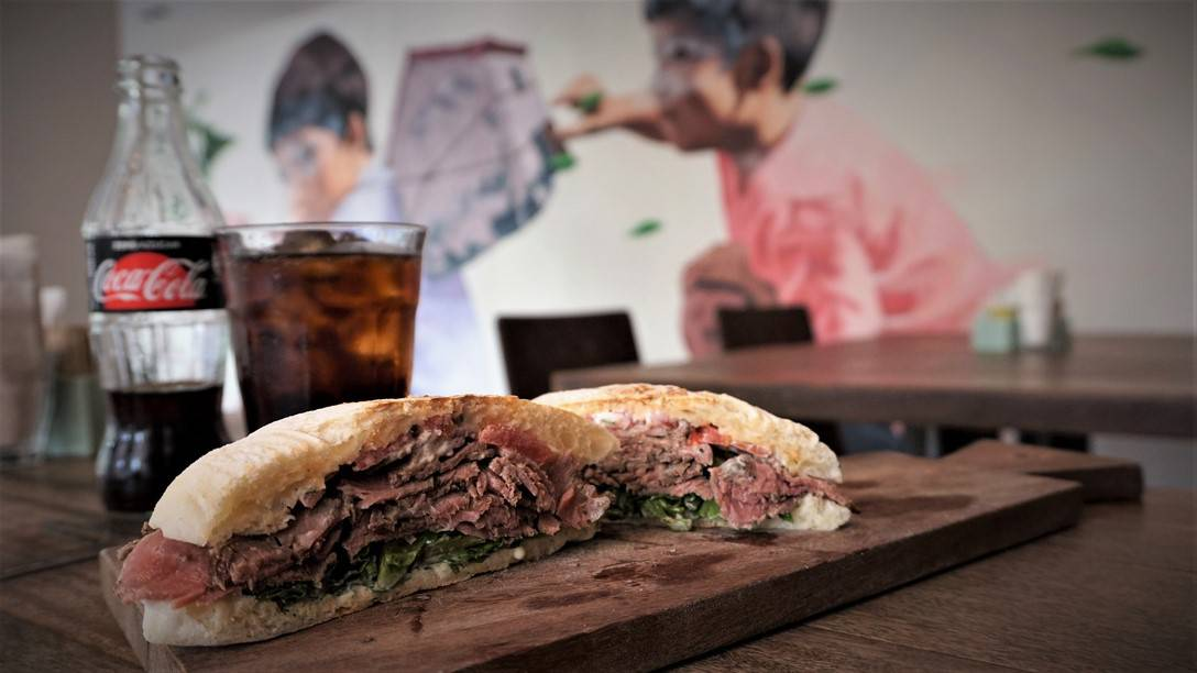 Roast Beef Sandwich at Café de Lima