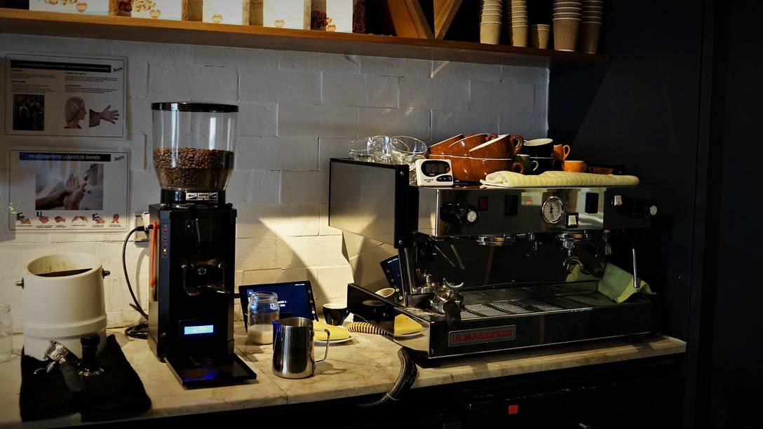 Cafe Julieta San Isidro Lima (8)