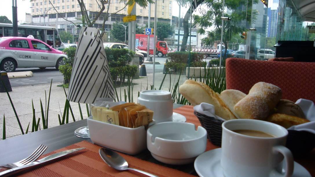 C'est la Vie for Breakfast with Coffee