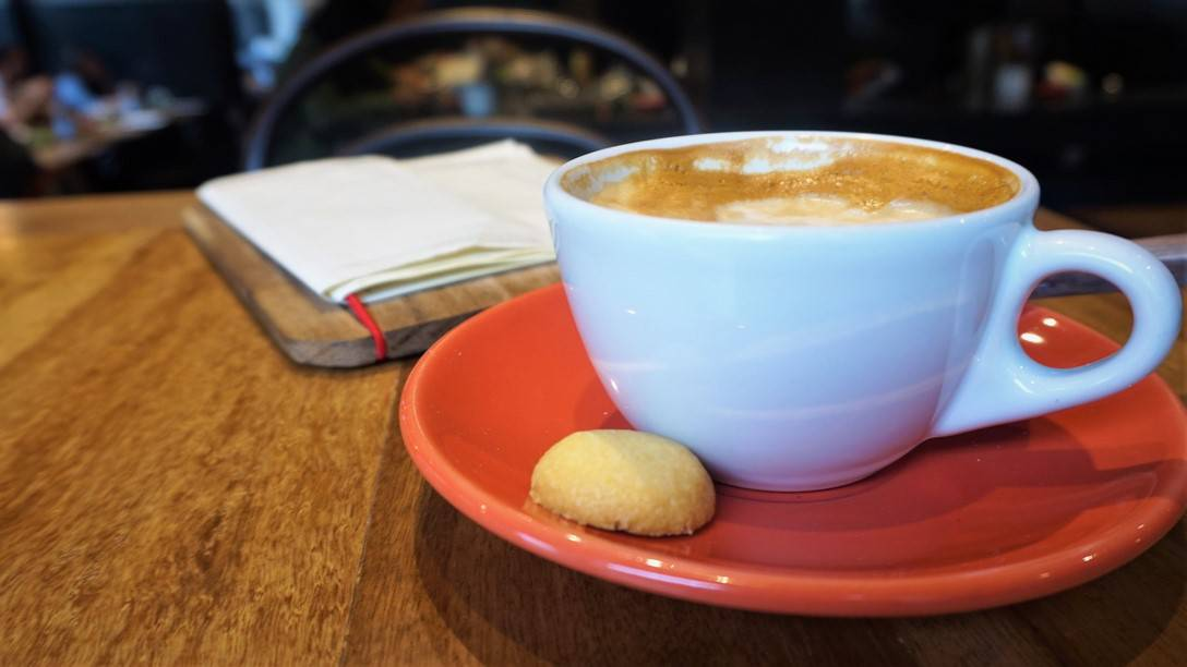 A coffee with breakfast at Eno