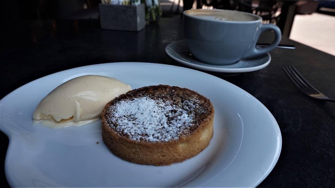 Pecan Pie and Vanilla Ice Cream at Catamundi