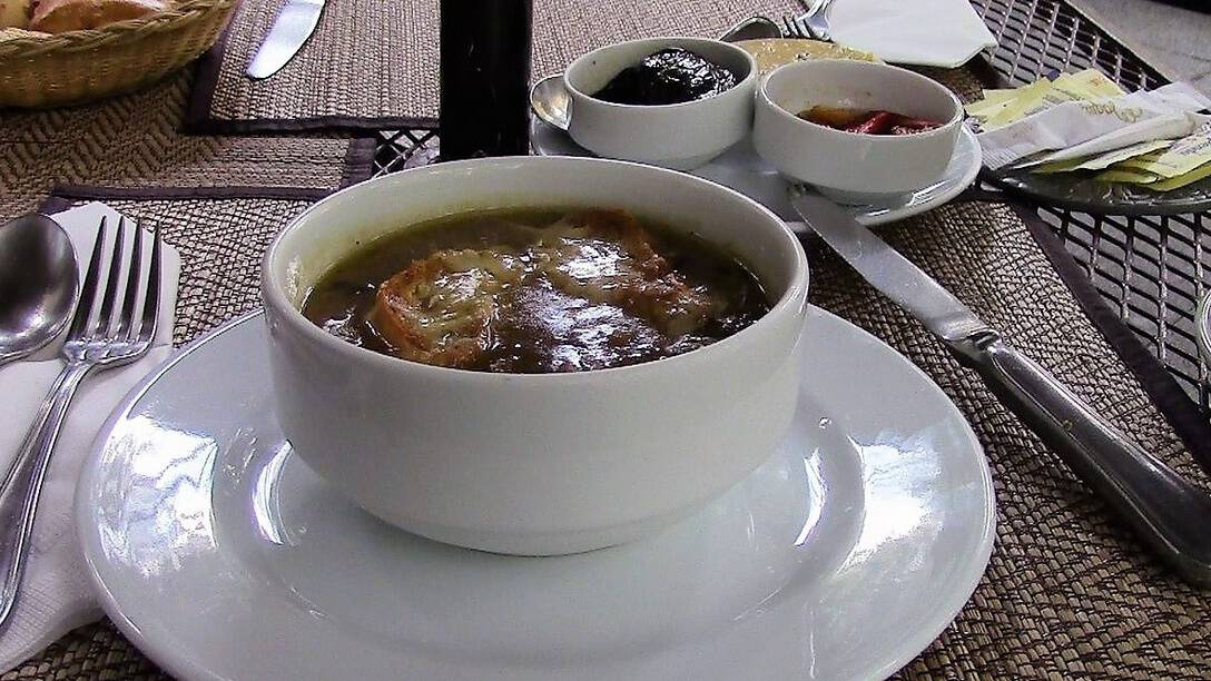 4 MAQUMX Onion Soup by Lothar Juern