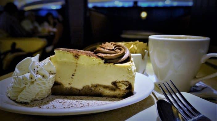 Cheesecake Factory Delta Prix Fixe mas Cheesecake